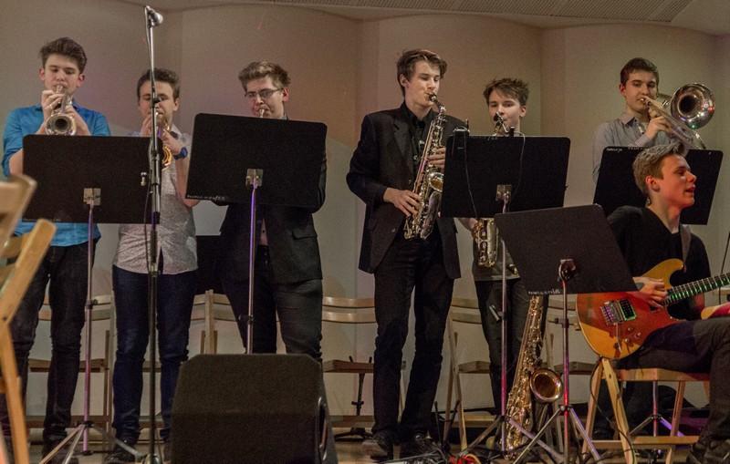 Kacper Potępa (trąbka), Piotrek Pudełko i Jakub Muras (saksofon).