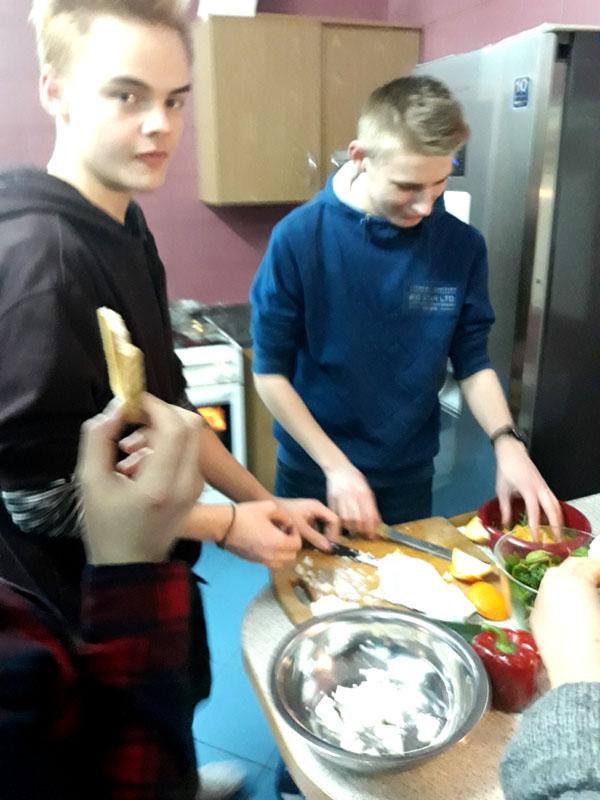 meżczyźni to podobno nalepsi kucharze.....